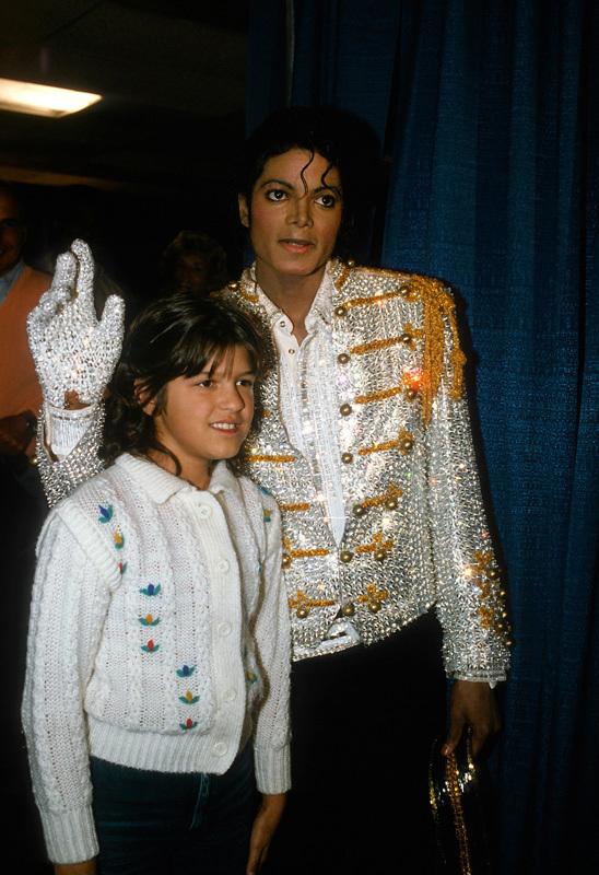 https://i1.wp.com/images4.fanpop.com/image/photos/17400000/Michael-Jackson-rare-Photo-michael-jackson-17476769-548-800.jpg