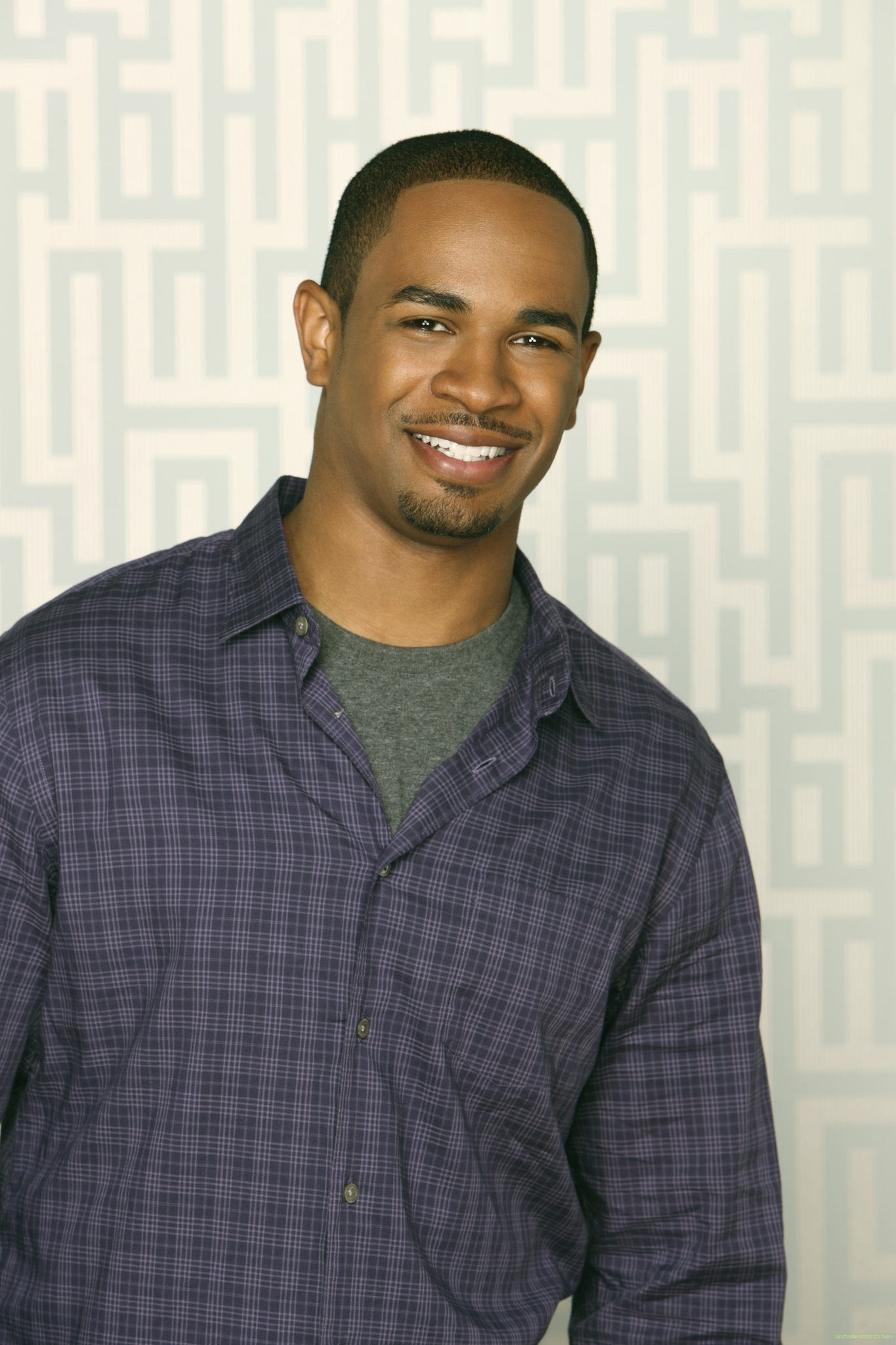 Damon Wayans Jr. as Brad