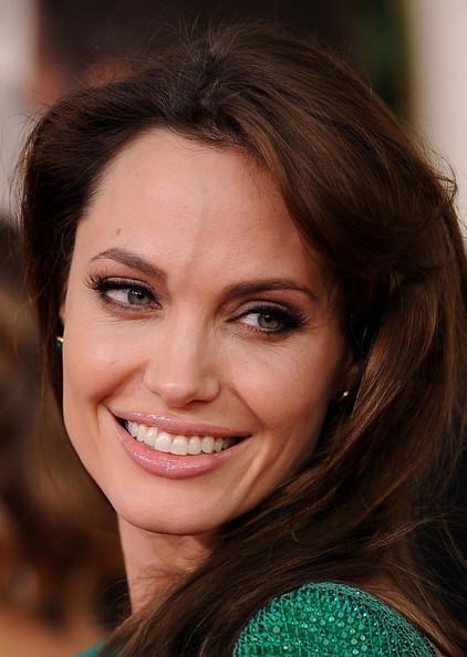 Angelina Jolie green Versace dress Golden Globes 2011 with Brad Pitt