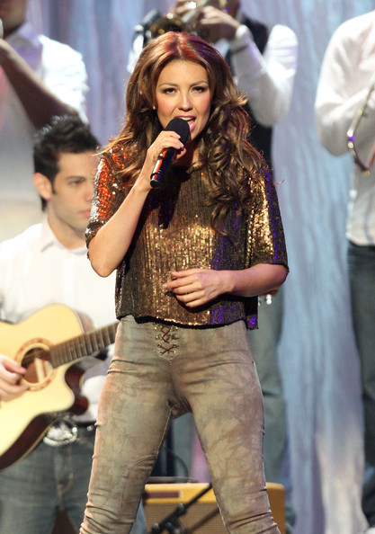https://i1.wp.com/images4.fanpop.com/image/photos/20400000/Billboard-Latin-Music-Awards-Show-29-04-2010-thalia-20436244-417-594.jpg