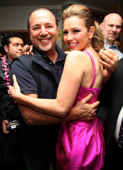 https://i1.wp.com/images4.fanpop.com/image/photos/20400000/Celebrates-The-Release-Of-Her-New-Album-Lunada-17-06-2008-thalia-20436321-430-594.jpg