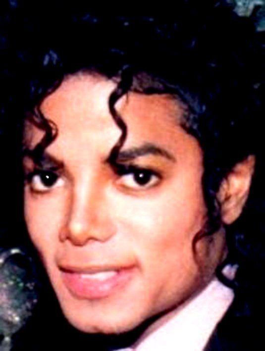 https://i1.wp.com/images4.fanpop.com/image/photos/21000000/-3-Michael-Our-Sweet-Charming-King-3-michael-jackson-21097901-535-709.jpg
