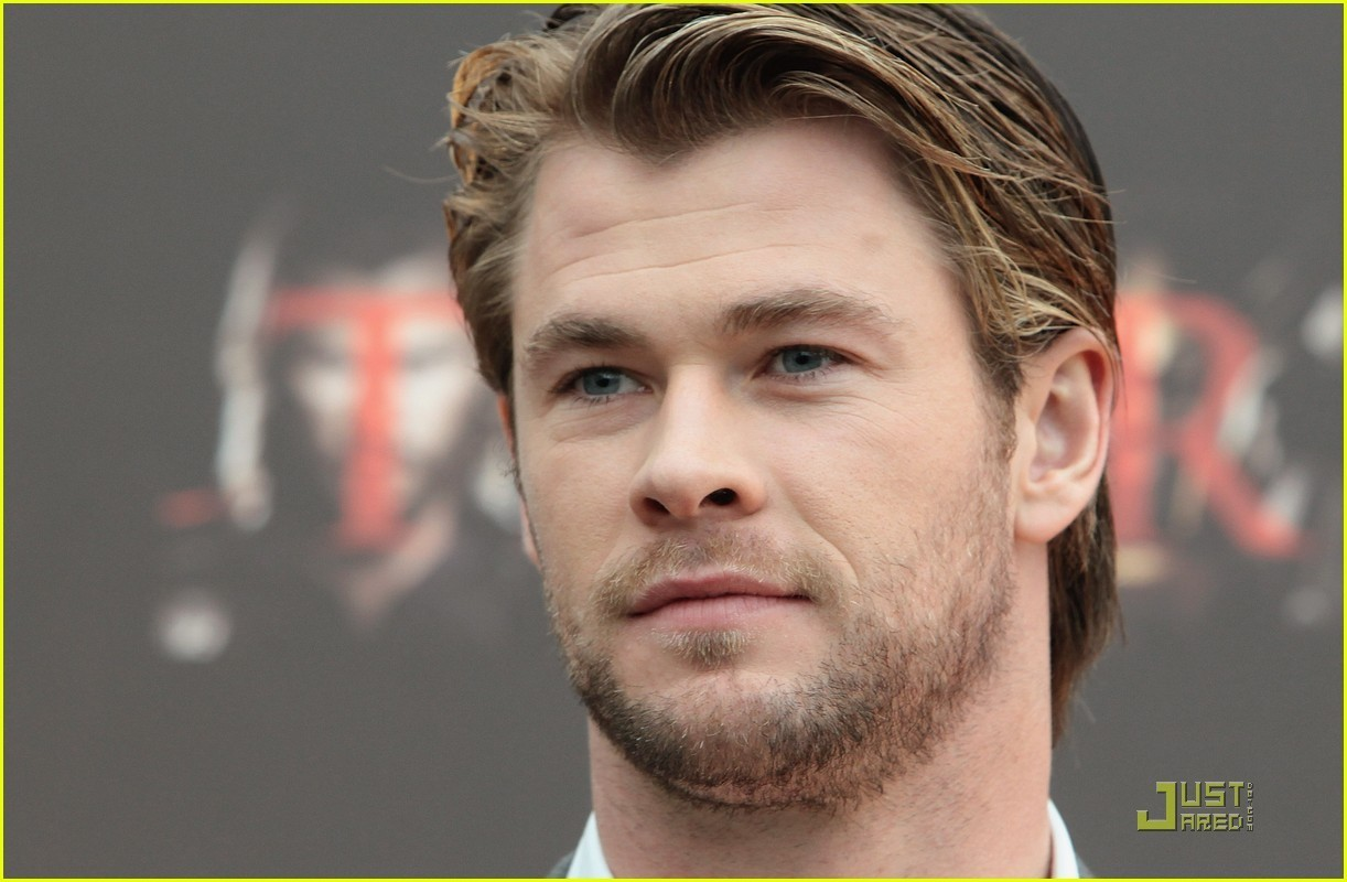 Chris Hemsworth: 'Thor' Photo Call in Rome! - chris-hemsworth photo