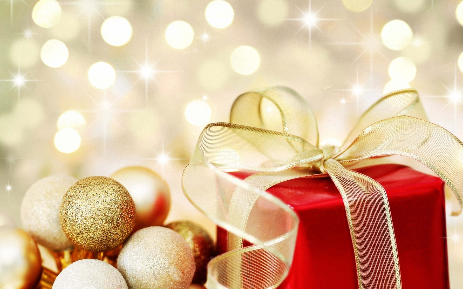 https://i1.wp.com/images4.fanpop.com/image/photos/22200000/Golden-Christmas-ornaments-christmas-22229803-1920-1200.jpg