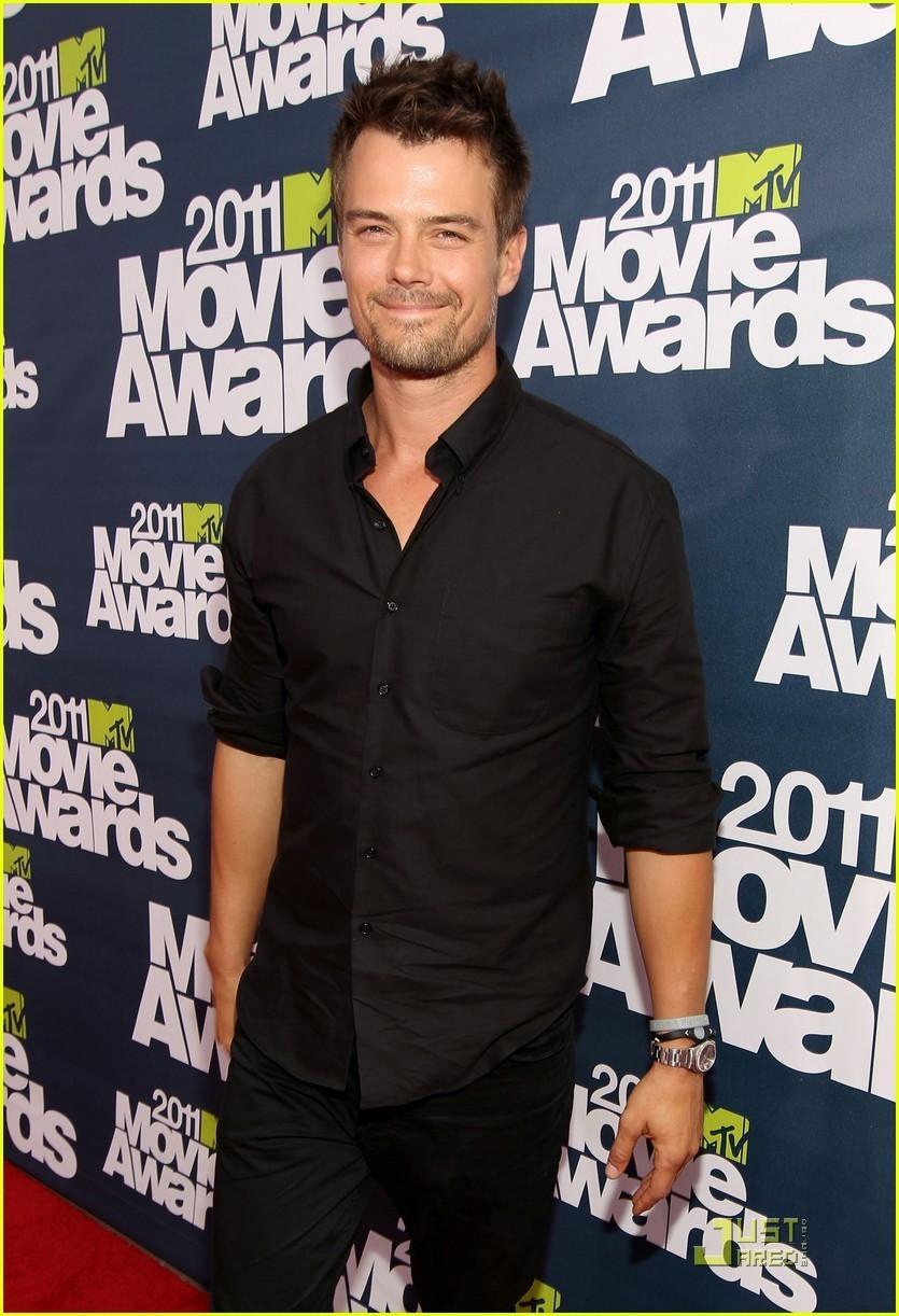 Josh Duhamel & Shia LaBeouf: MTV Movie Awards Presenters - josh-duhamel photo