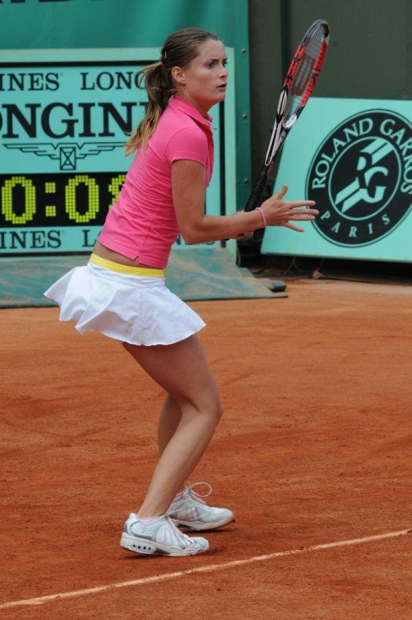 Iveta Benesova has Comely Concentration - WTA Photo ...