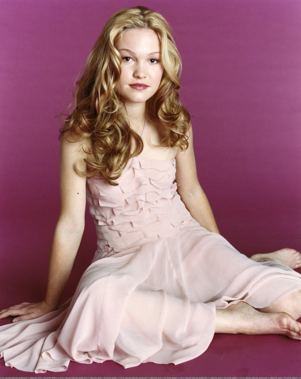 Gallery Fresh Singer: Julia Stiles - Picture Colection