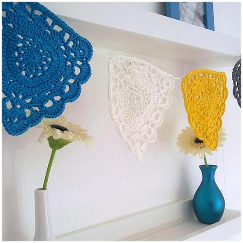 A la Sascha | FREE Doily Bunting Crochet