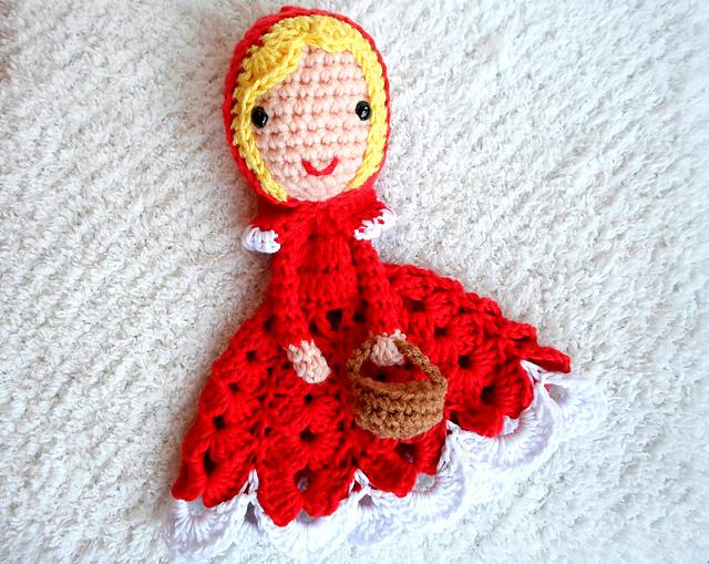 A la Sascha | Red Riding Hood Lovey