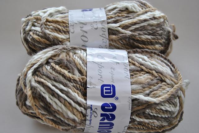 pelotes fil dégradé poncho tricoté