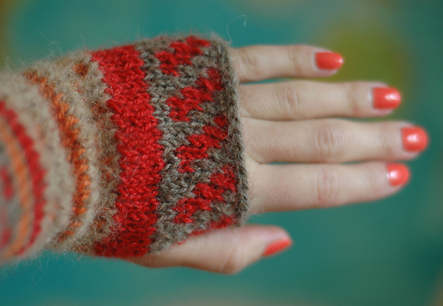 knitting fingerless gloves patterns orange red