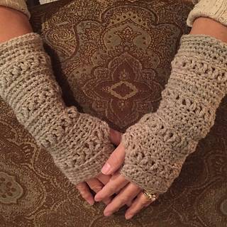 Fingerless mittens to crochet