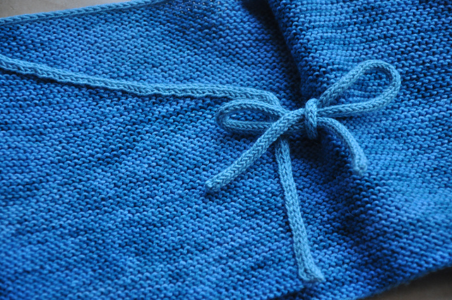 baby cardigan aus drachenwolle sockenwolle luxus