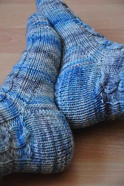 Zora Zopfsocken aus Zauberwiese 6-fach Sockenwolle jeanstauglich