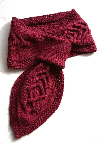Beautiful neckwarmer, just beautiful!