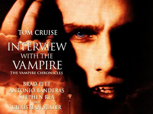 https://i1.wp.com/images5.fanpop.com/image/photos/27100000/Lestat-interview-with-the-vampire-27197148-500-375.jpg