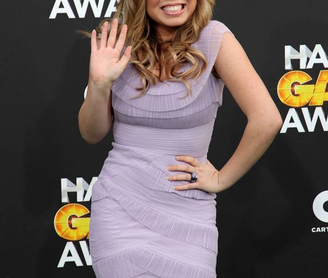 Jennette Mccurdy Images Jennette Mccurdy Hd Wallpaper And Background Photos