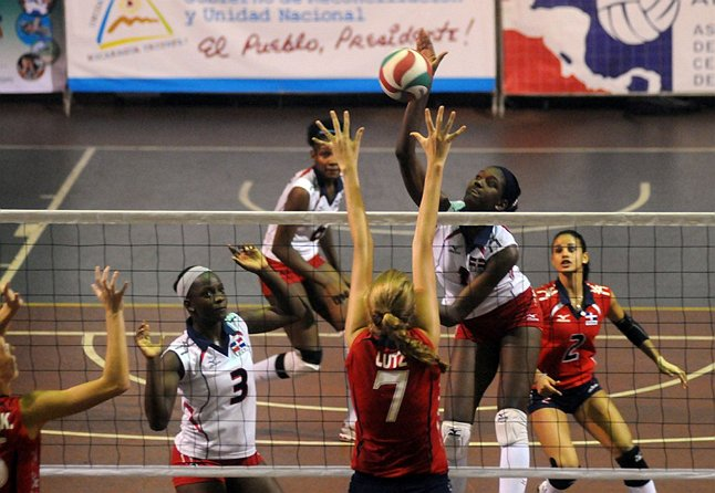 In Action Volleyball Photo 32811007 Fanpop