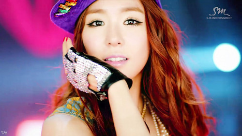 cantiknya Tiffany i got a boy by erit07