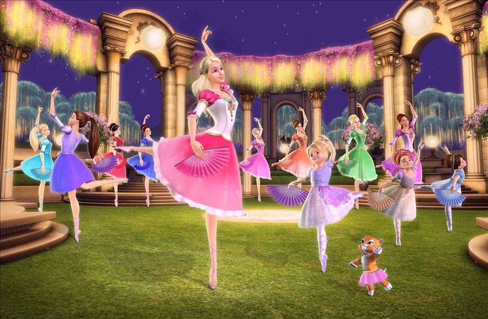 Queen Dancing Princesses 12 Barbie