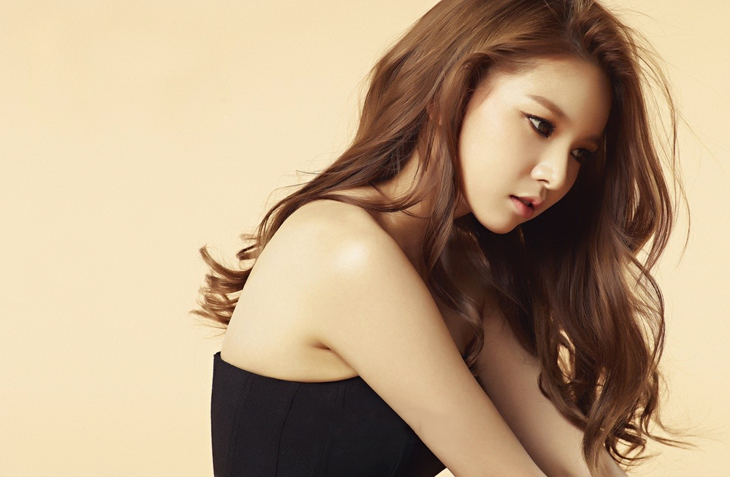 https://i1.wp.com/images6.fanpop.com/image/photos/38100000/Fiestar-s-Jei-for-HIM-Magazine-March-2015-fiestar-38186457-1480-968.jpg