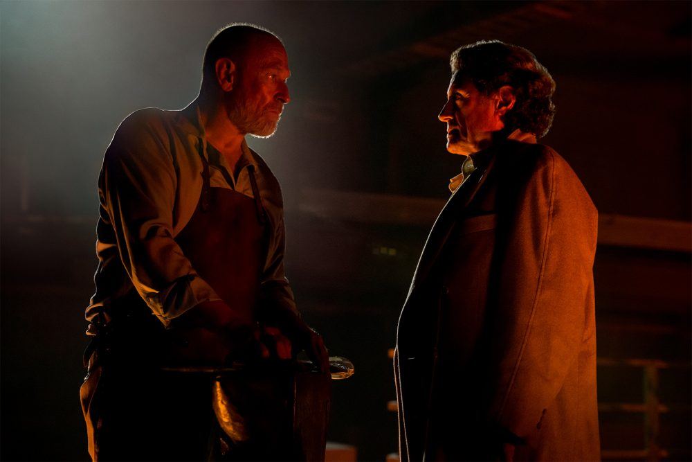 https://i1.wp.com/images6.fanpop.com/image/photos/40400000/American-Gods-A-Murder-of-Gods-1x06-promotional-picture-american-gods-tv-series-40469451-1000-667.jpg