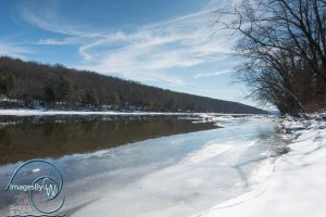 Ice on/by the Delaware River