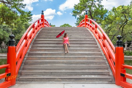I love a good portrait, many times minimalist, and I had the amazing oportunity to have a photoshoot on this Bridge in Sumiyoshi Taisha Park. Japanese like to paint bridges in a very strong color, which combines remarkably with the nature's green. Osaka, Japan.