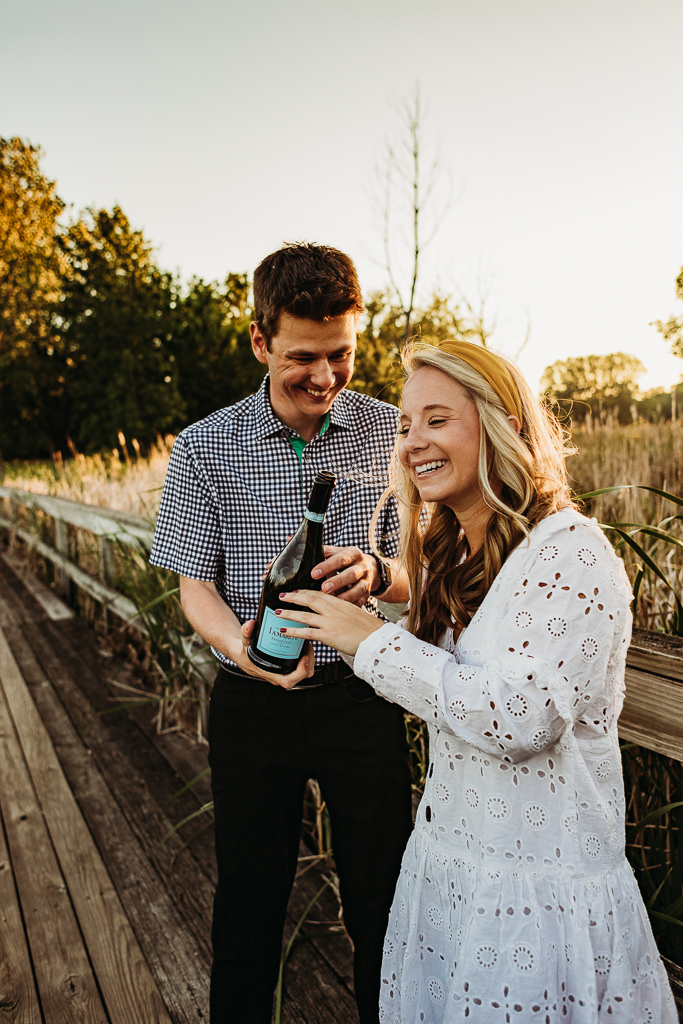 how to pop champagne, champagne pop, champagne engagement photos