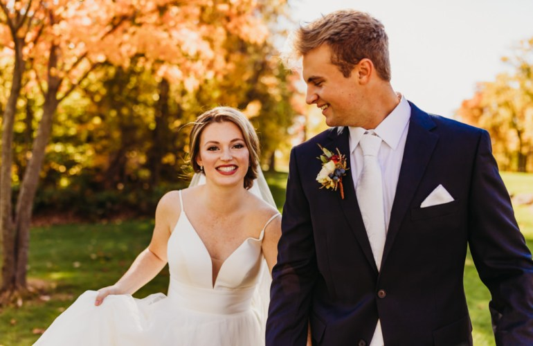 blackberry ridge golf club wedding photo of bride and groom