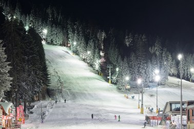Photo: wikipedia - Borovets