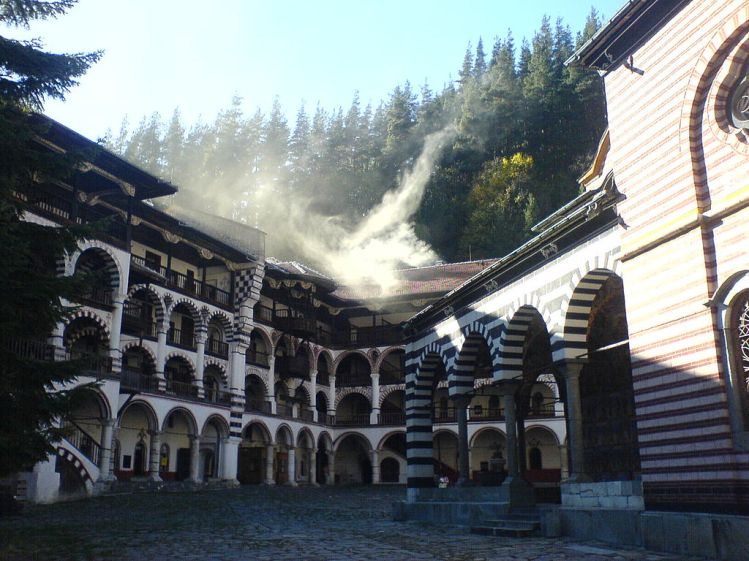 Photo: wikipedia - Rila Monastery / Рилски Манастир