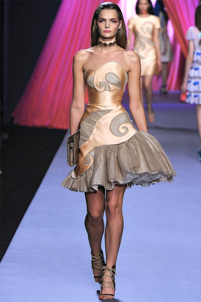 viktor rolf21 Viktor & Rolf Spring 2012 | Paris Fashion Week
