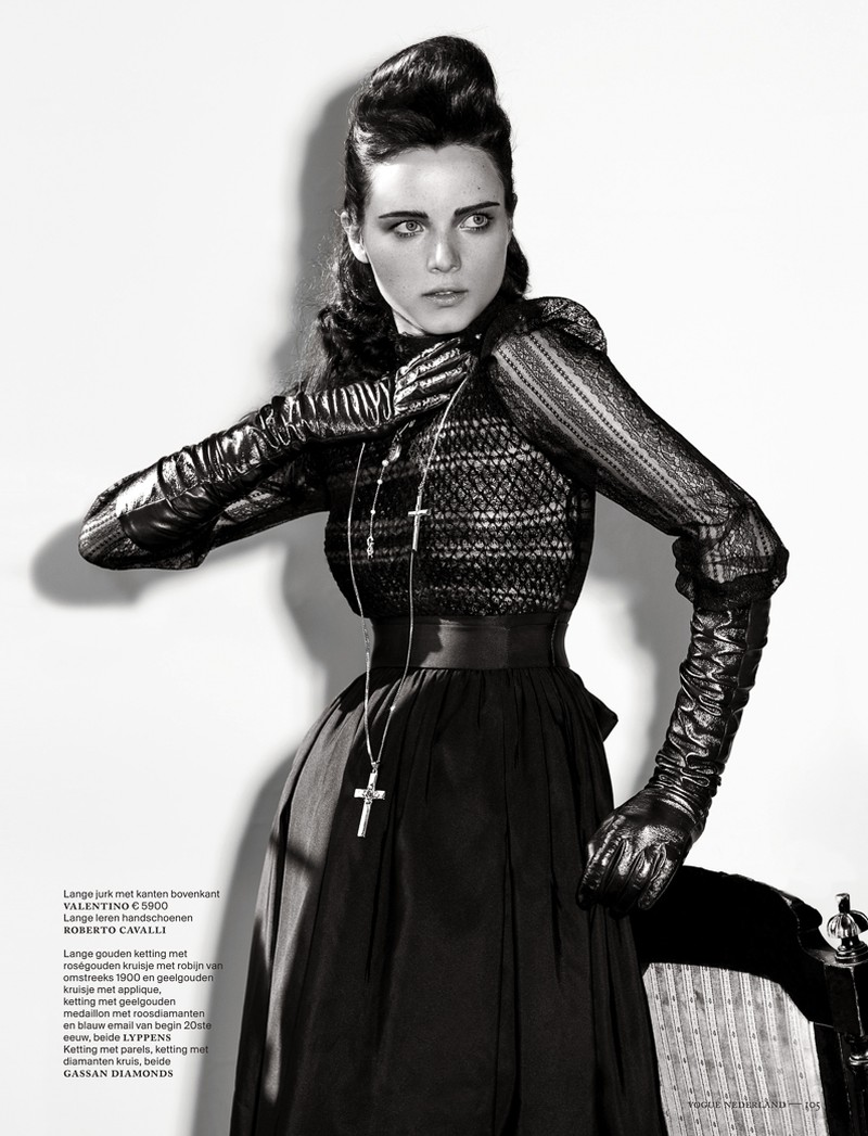 anna de rijk2 Anna de Rijk Dresses for Halloween in Vogue Netherlands November Issue, Lensed by Marc de Groot