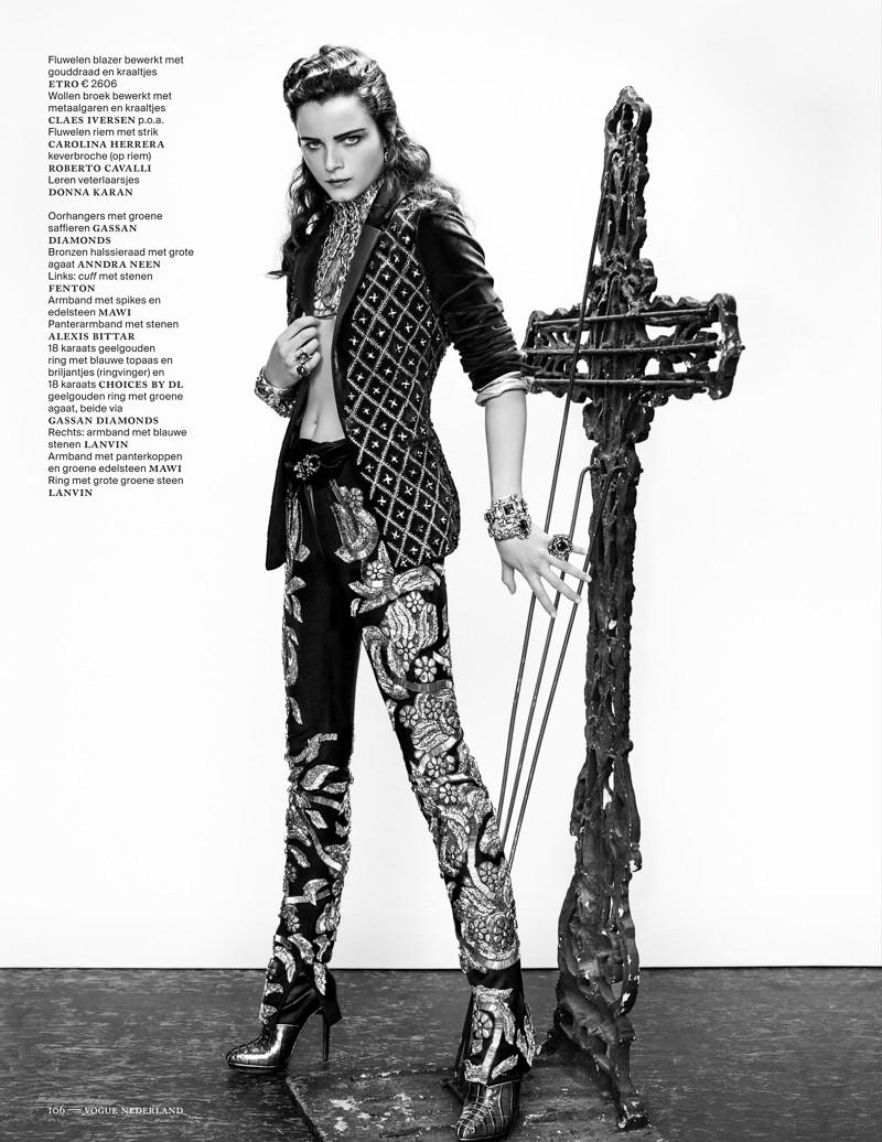 anna de rijk3 Anna de Rijk Dresses for Halloween in Vogue Netherlands November Issue, Lensed by Marc de Groot