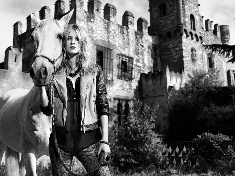 JuliaNico01 Julia Frauche Falls into Fantasy for Stradivarius Fall 2012 Campaign