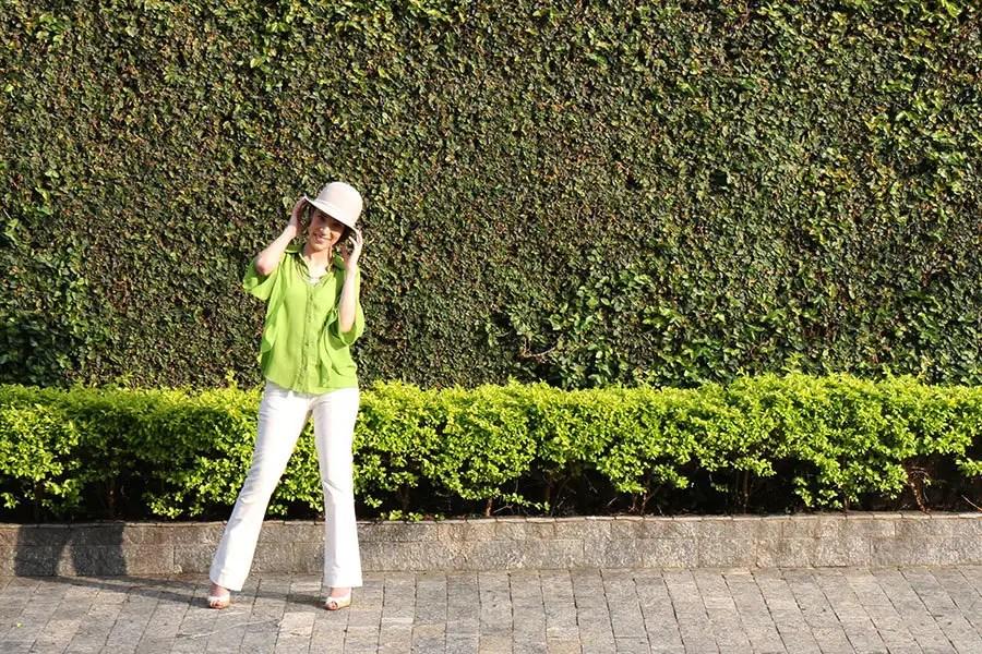 Pra começar o ano com o pé direito, escolhi um look caprichado na cor do ano, o Greenery (ou verde-folhagem). http://petitandy.com