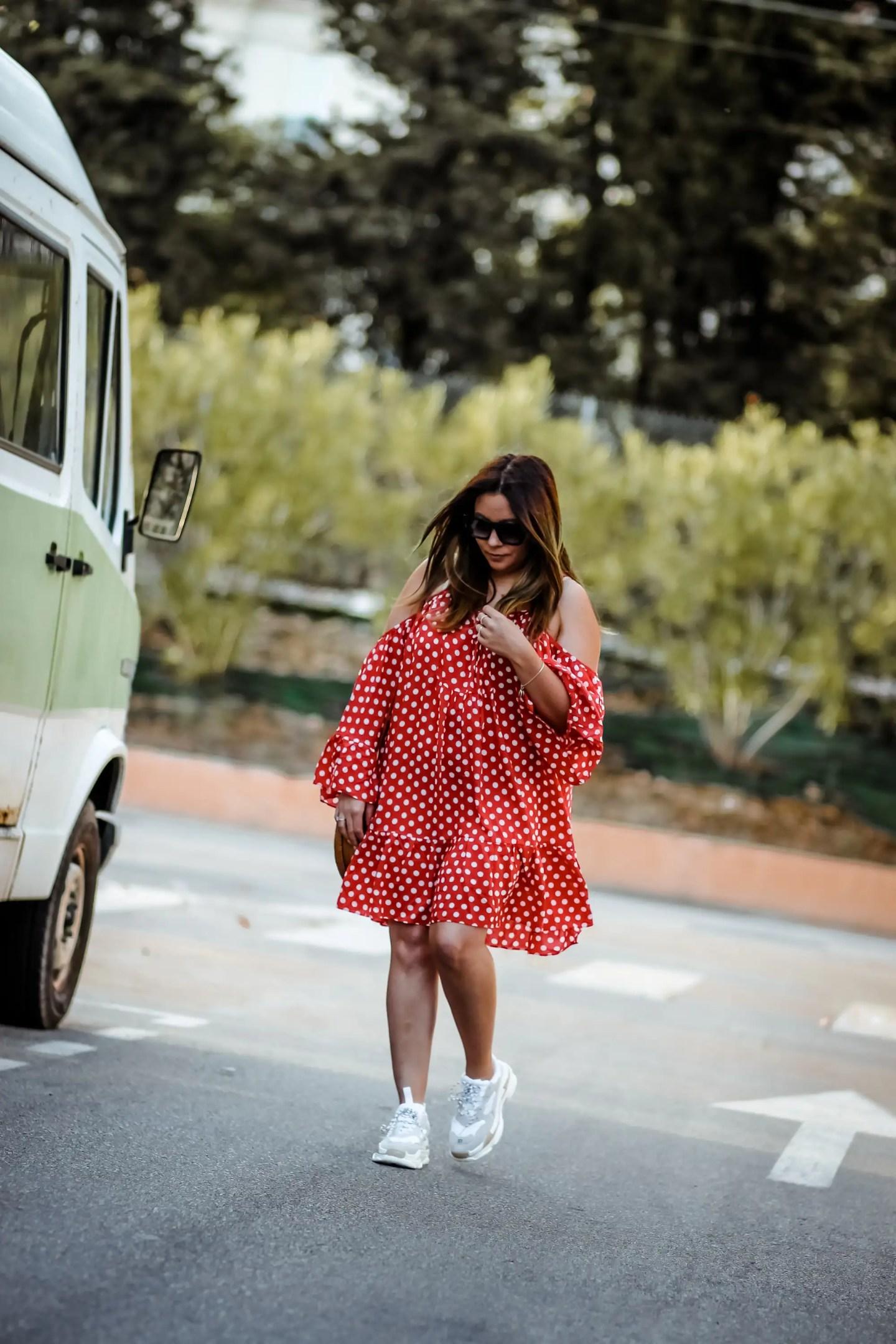 the grren anans, blog travel, polka dot dress, robe pois, blogueuse française, blogueuse influente, gypsy style, obvious sneakers, inspiration balanciaga, ugly shoes, dresslily, tularosa