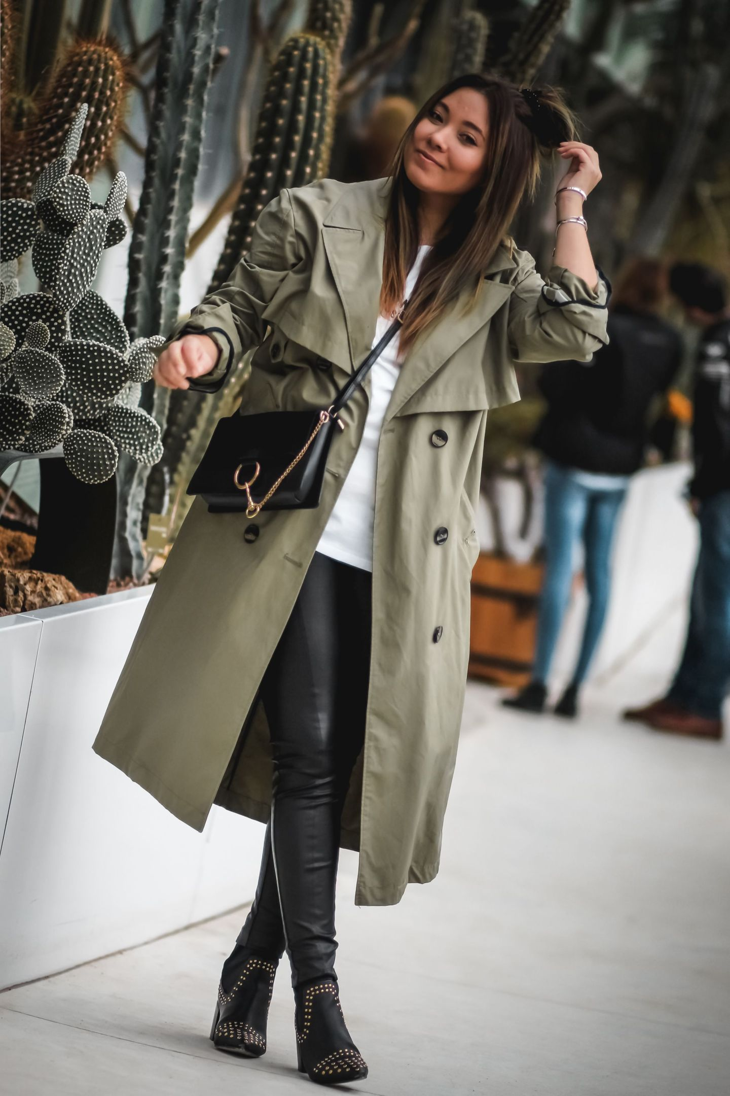 the green ananas, trench kaki, trench femme, zara, jardin des plantes, blog, blogueuse mode, french blogger, pinterest, blogueuse influente, bottines clous, asos, boohoo, khaki trench coat