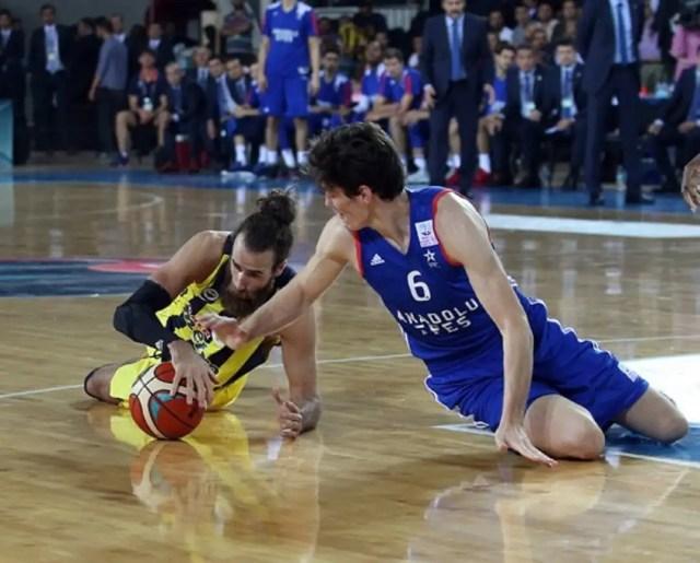 Gigi Datome ha messo a segno 17 punti nella finale della Supercoppa (Foto: Fenerbahçe)
