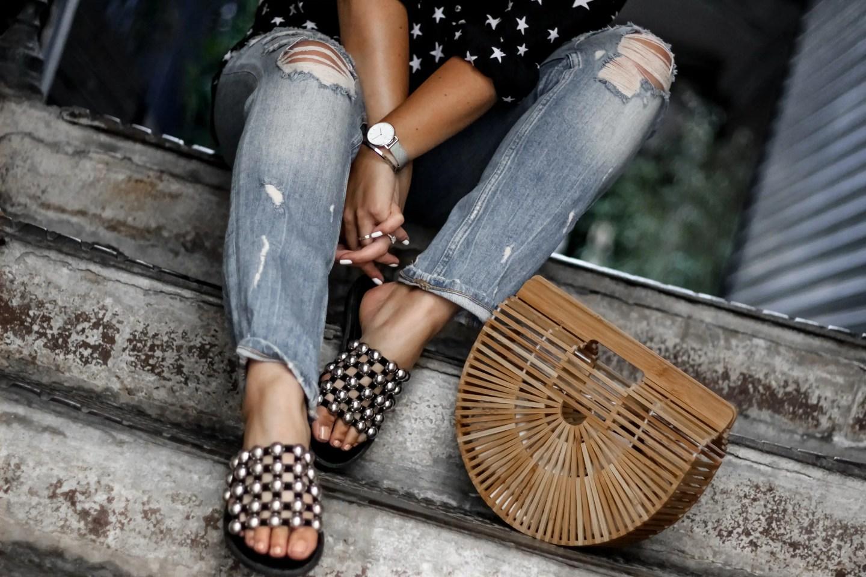 the green ananas, blog mode, blogueuse mode, ego chaussures, blogger, blogueuse française, jean femme, sandales clous, sac cult gaia, chemise étoile, pinterest, jean boyfriend, étoiles