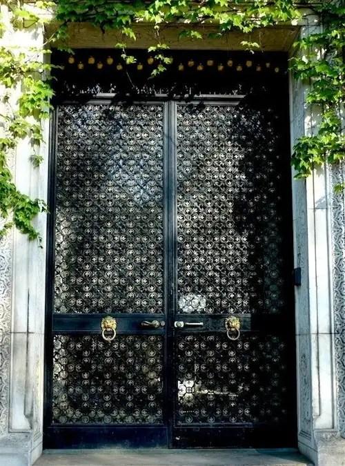 Puertas_Negras