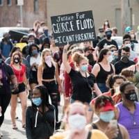 George Floyd: les images de violence imposent-elles la vision des bourreaux?