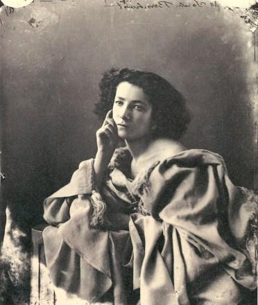 Nadar, Sarah Bernhardt, 1864.