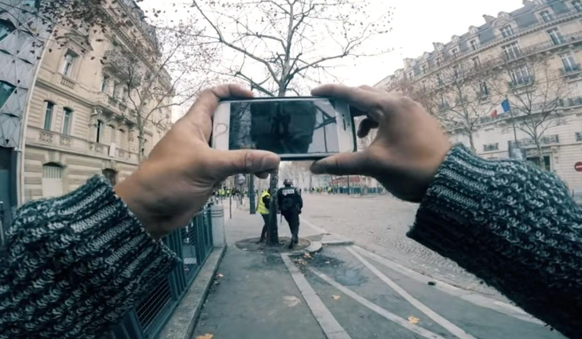 Gilets jaunes: un mouvement qui s'écrit en vidéos