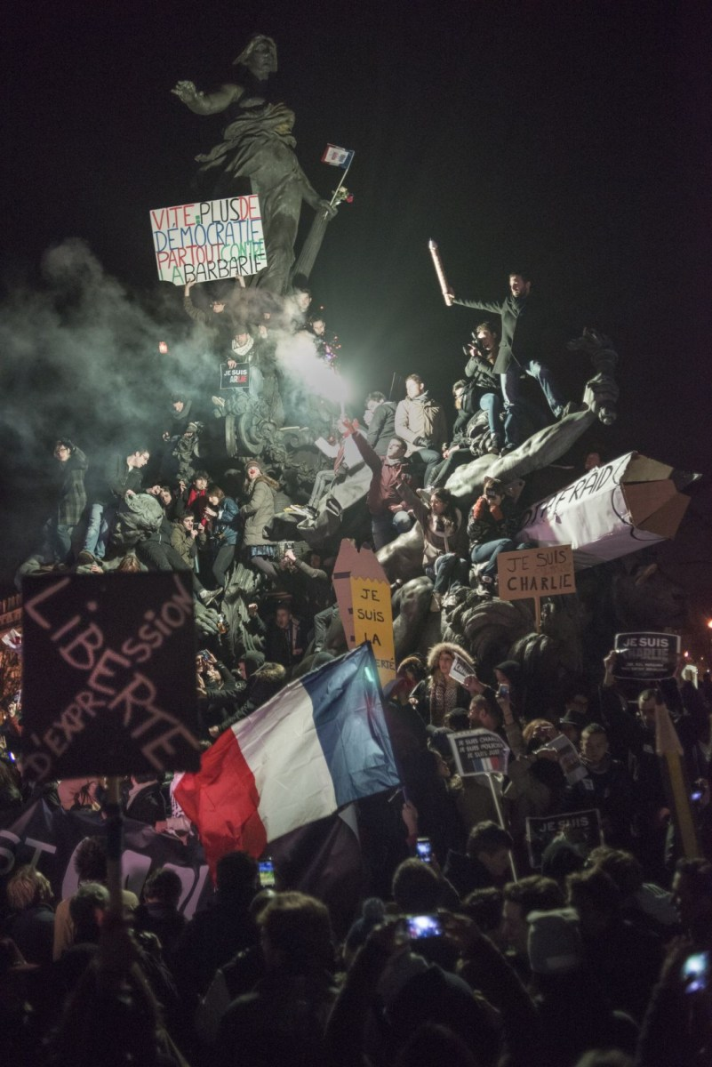 """Les images """"iconiques"""" du 11 janvier, un monument involontaire?"""