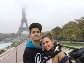 Selfie devant la Tour Eiffel, 2015.
