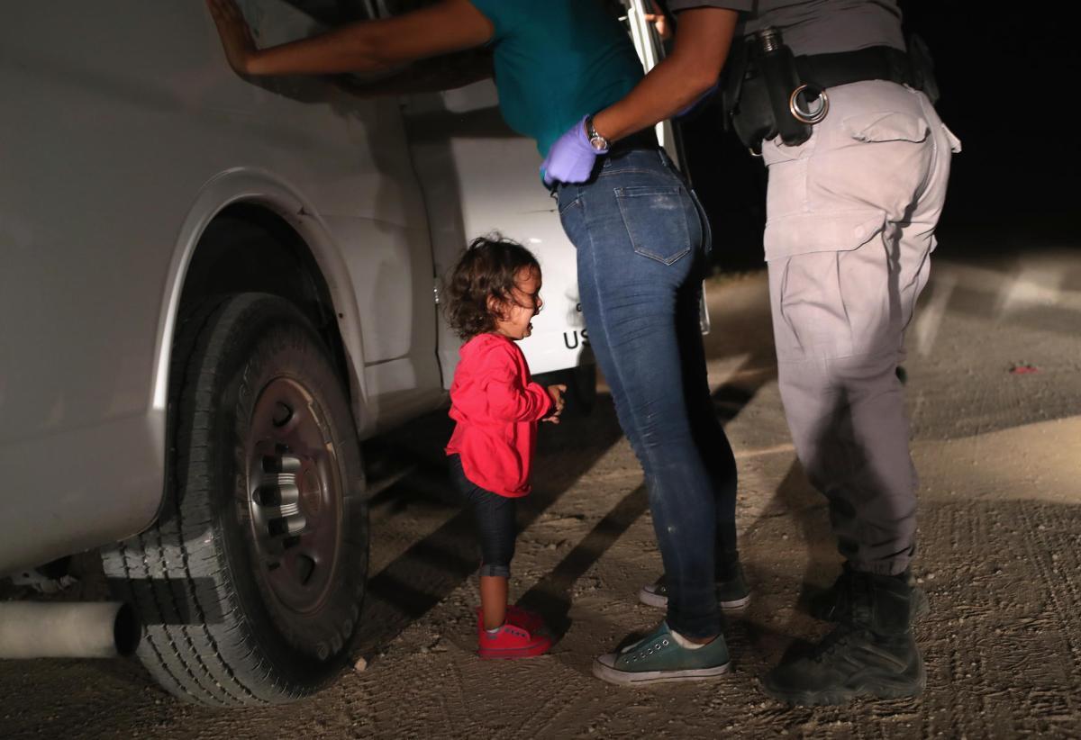 Une petite fille en pleurs, ou le photojournalisme narratif