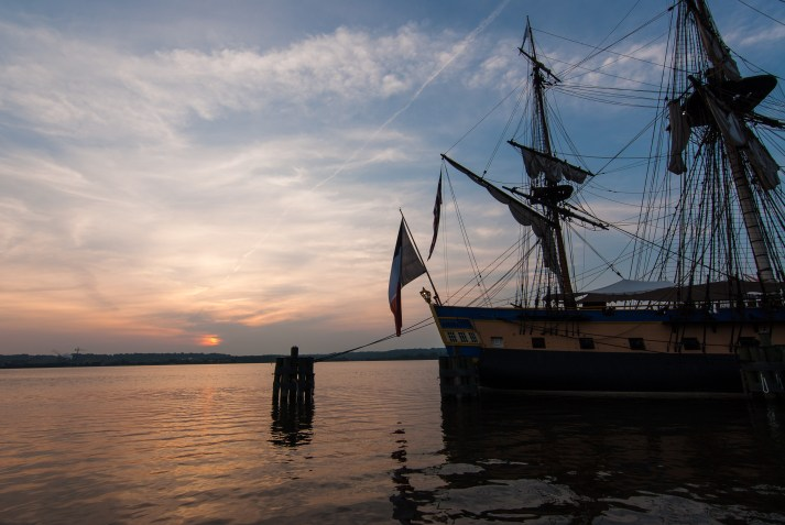 L'Hermione at Sunrise, Old Town Waterfront. Nikon D200, Tokina 11-16 2.8 @11mm, ISO 100, f/8, 1/60 sec