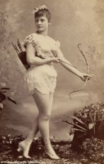 Vintage burlesque photos from the 1890s (5)